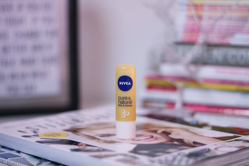 Niveal Pure & Natural Milk & Honey lipbalm