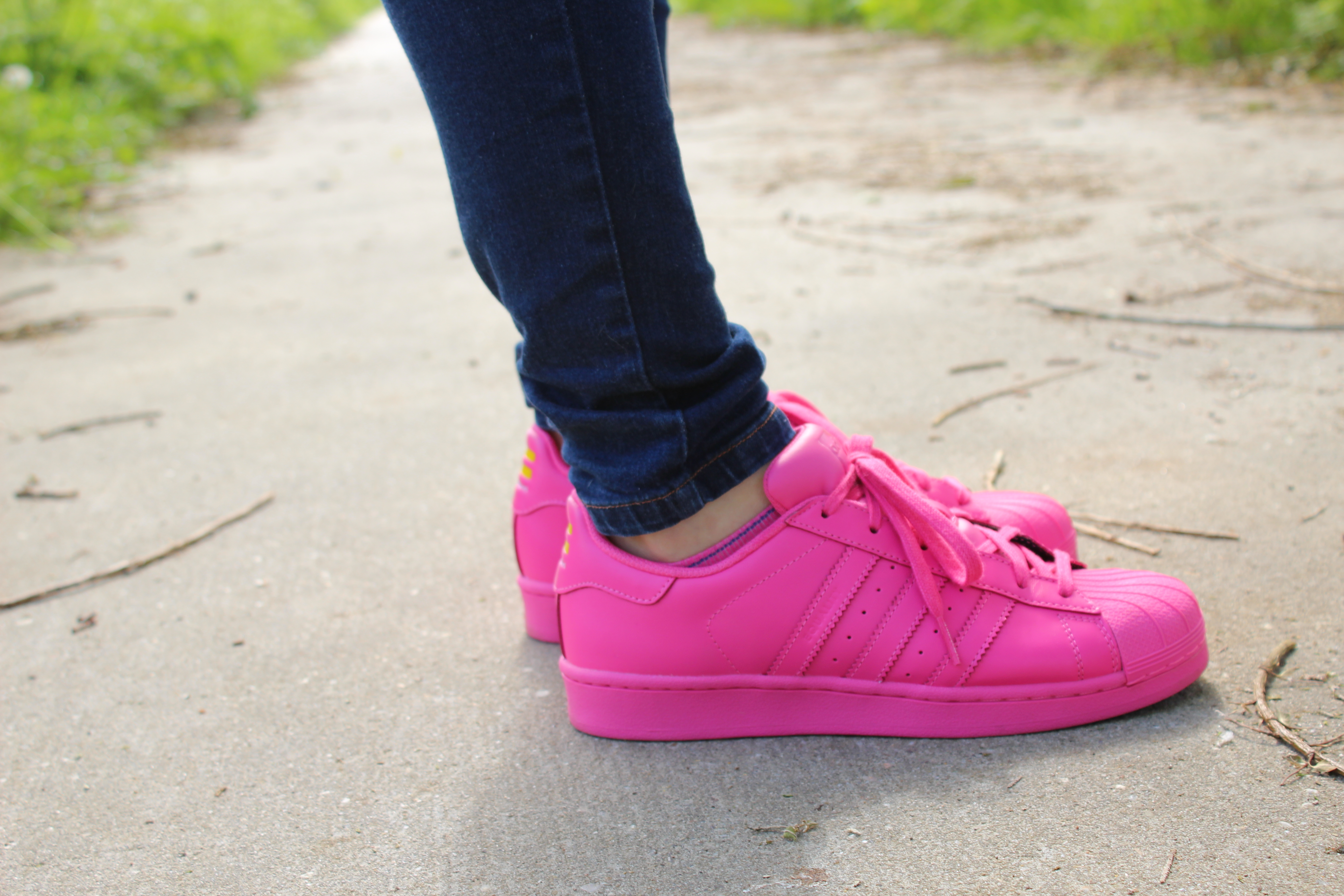 adidas superstar pharrell roze